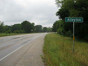 Alleyton, Texas - Image: Alleyton TX Sign FM 102