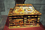 Amber-coloured sarcophagus-type casket in Malbork.jpg