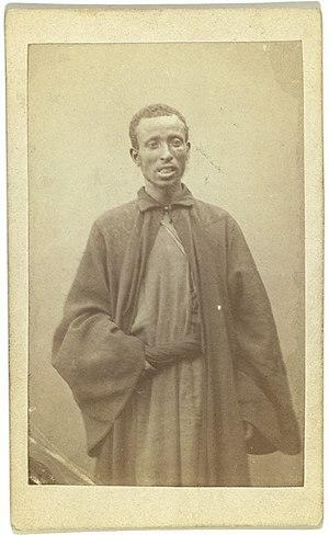 English: Three quarter portrait of African man...