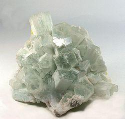 Aragonite-Sulphur-35879.jpg