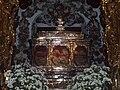 Arca de plata que guarda las reliquias de los Santos Mártires de Córdoba. Iglesia de San Pedro de Córdoba.JPG
