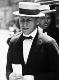 Fitzgerald based the character of Meyer Wolfsheim on Jazz Age racketeer Arnold Rothstein who was murdered in 1928.
