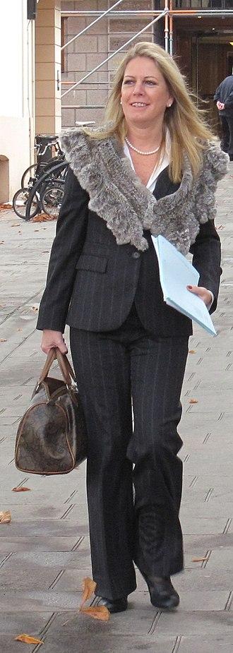 Carolyn Labey - Image: Assèrmentâtion des Membres d's Êtats 2011 Saint Hélyi Jèrri 11