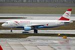 Austrian Airlines, OE-LBK, Airbus A320-214 (23021331606) (2).jpg