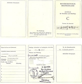 Refugee identity certificate - Image: Ausweis für Vertiebene und Flüchtlinge C Vor Rückseite