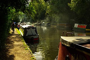 Cowley, London - Image: Autumnal scene, Grand Union Canal (geograph 2658170)