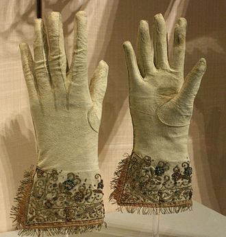 https://upload.wikimedia.org/wikipedia/commons/thumb/e/e9/BLW_Pair_of_Embroidered_Leather_Gloves.jpg/330px-BLW_Pair_of_Embroidered_Leather_Gloves.jpg