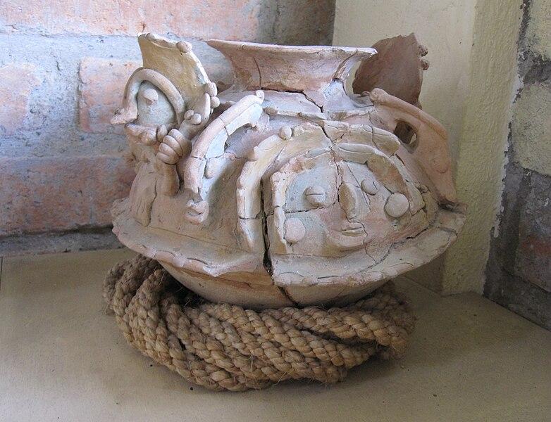 File:Bahia sorceror's cauldron.JPG