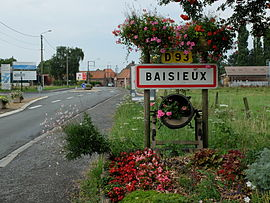 The road into Baisieux