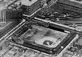 North Broad station - The Baker Bowl in 1928, with the soon-to-be demolished Huntingdon Street station at right
