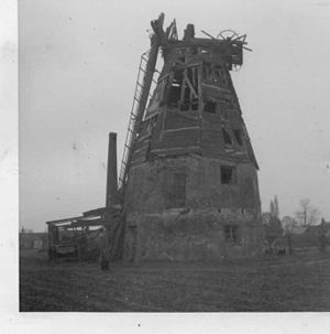 Baker Street Mill, Orsett - The derelict mill in 1964