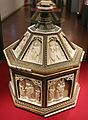 Baldassarre degli embriachi (bottega), cofanetto con scene delle leggenda di helias, 1390-1410 ca. 01.jpg