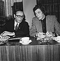 Bartels (voorzitter VNO) en NVV-voorzitter Kok (rechts), Bestanddeelnr 926-8089.jpg