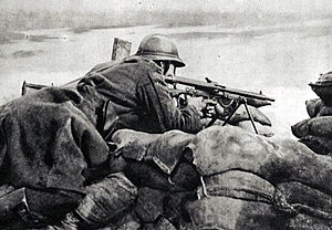 A Belgian machinegunner on the front lines in 1918.