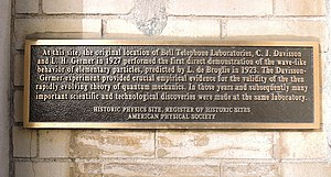 Davisson–Germer experiment - American Physical Society plaque in Manhattan commemorates the experiment