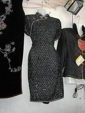 Belle robe avec paillettes.jpg