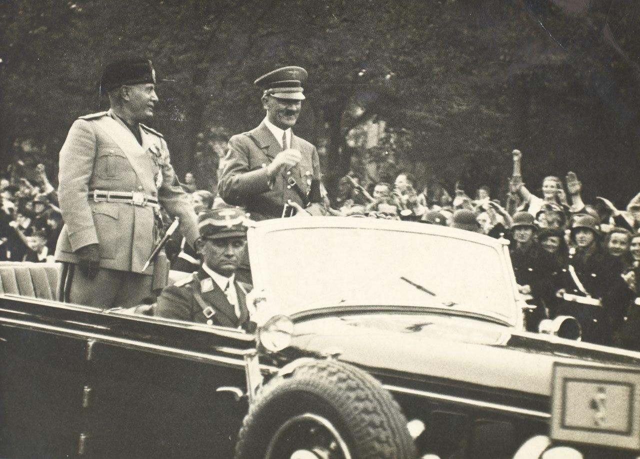 Benito Mussolini e Adolf Hitler, sem data.tif