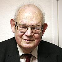 ά ά (1924-2010)