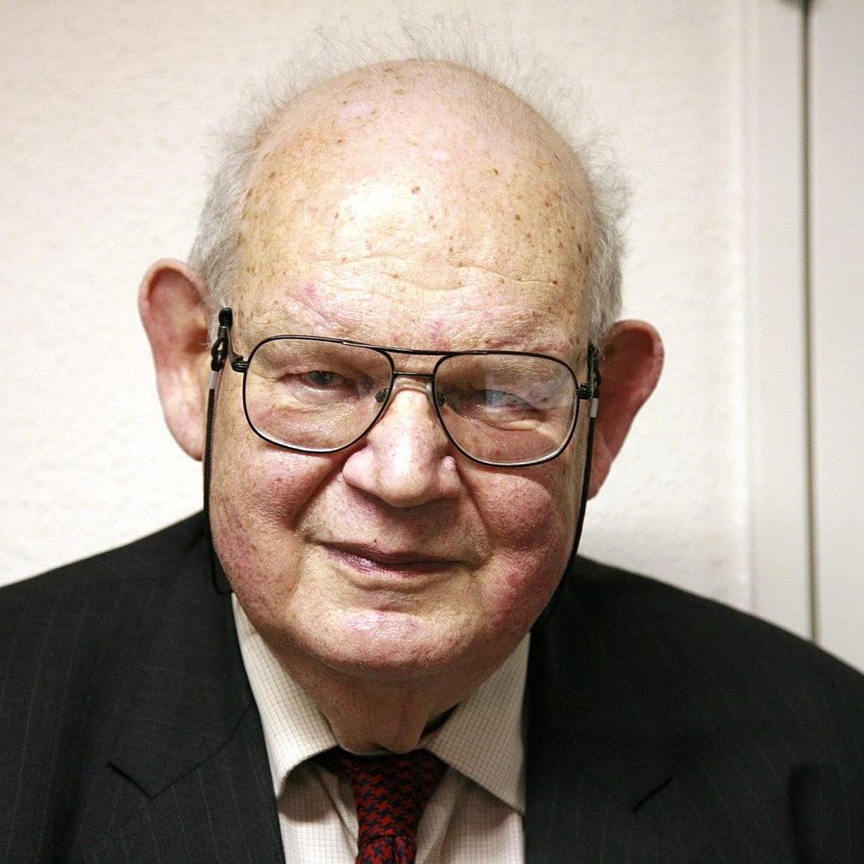 Benoit Mandelbrot mg 1804-d