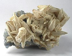 Benstonite-Calcite-Fluorite-154901.jpg