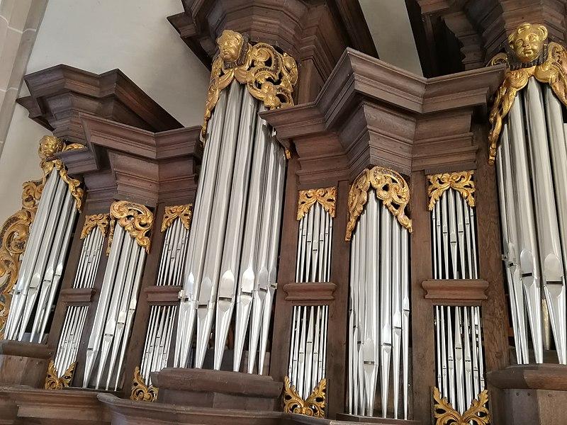 Datei:Berchum, Kirche, Orgel (6).jpg