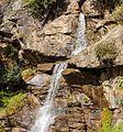 Bergtocht van Peio Paese naar Lago Covel (1,844 m) in het Nationaal park Stelvio (Italië). Waterval boven Lago Covel.jpg