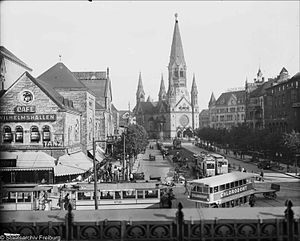 Ufa-Palast am Zoo - Ufa-Palast, Memorial Church and Gloria-Palast, view from Zoo station, August 1926