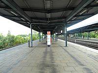 Berlin S- und U-Bahnhof Wuhletal (9494995141).jpg