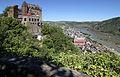 Blick auf den nördl. Bergfried der Schönburg umd Oberwesel.jpg
