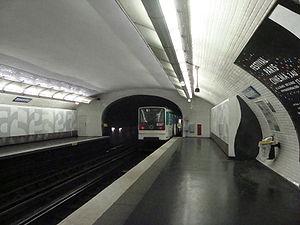 Boissière (Paris Métro) - Image: Boissiere ramepart