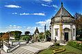 Braga - Santuário do Bom Jesus do Monte - Construção lateral e escadaria.jpg