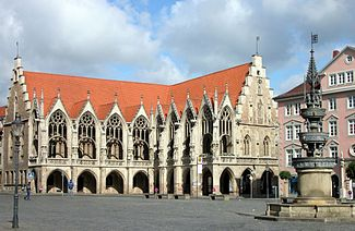 Old Rathaus And St Marys Fountain