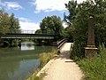 Bridges and memorial, Thames Path - geograph.org.uk - 872646.jpg