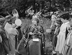 Brownies - A Brownies field trip at Ellesmere in 1954