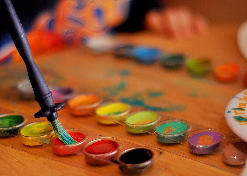 File:Brush and watercolours.jpg