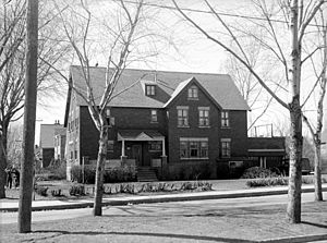 Hampstead, Quebec - Hampstead Town Hall in 1943.