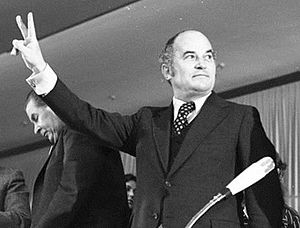 West German federal election, 1972 - Barzel in victory pose at a CDU election rally in Cologne