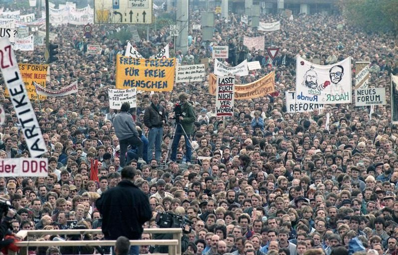 Bundesarchiv Bild 183-1989-1104-437, Berlin, Demonstration am 4. November