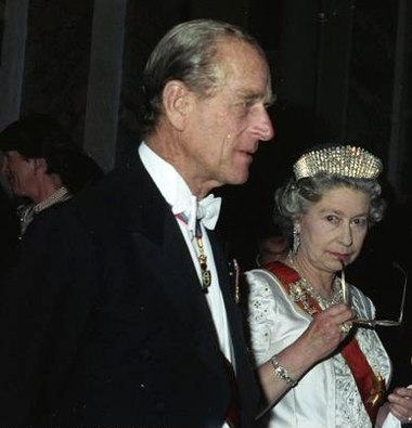 Elizabeth II and Prince Philip, Duke of Edinburgh, October 1992. Bundesarchiv Bild 199-1992-089-19Acropped.jpg