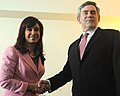 CFK y Gordon brown.jpg