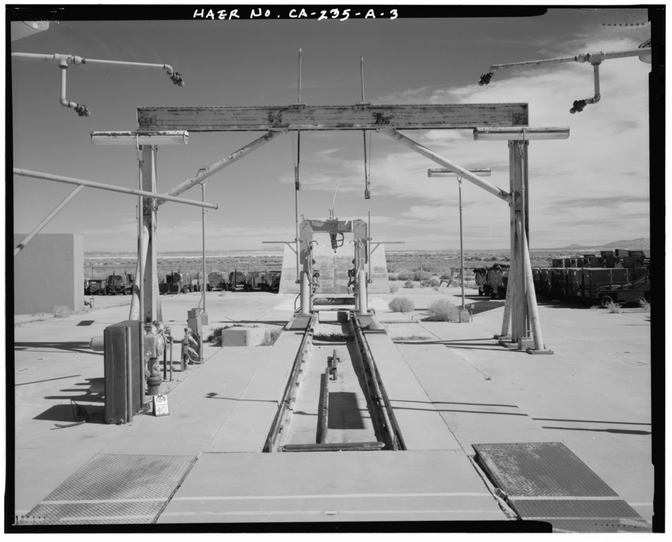 15 VEHICLE TEST STAND, LOCATED IN SOUTHEAST and-188; OF X-15 ENGINE ...