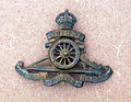 Cap badge Royal Artillery.jpg