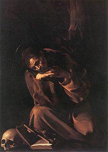 Portrait d'un homme agenouillé devant un crucifix posé sur une Bible et un crâne humain.