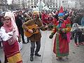 Carnaval de Paris 2015 - Trois joyeux goguettiers en pleine action place Gambetta P1350037.JPG