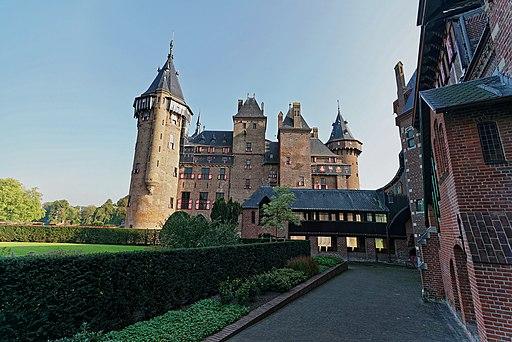 Castle De Haar (1892-1913) - View from Châtelet (1910) on Main Building