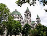 Cathedral-basilica-of-saint-louis.jpg