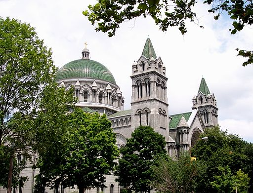 Cathedral-basilica-of-saint-louis