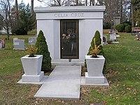 Celia Cruz Mausoleum 12-2008.jpg