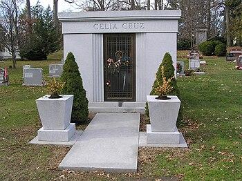 Celia Cruz Mausoleum 12-2008