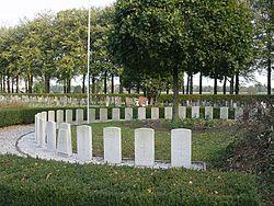 Cemetery Oldebroek - overvieuw.JPG